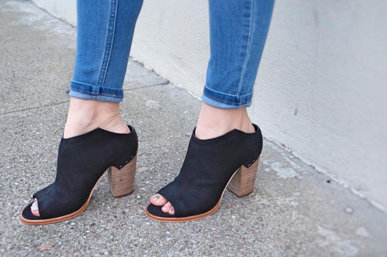 peep-toe-botties